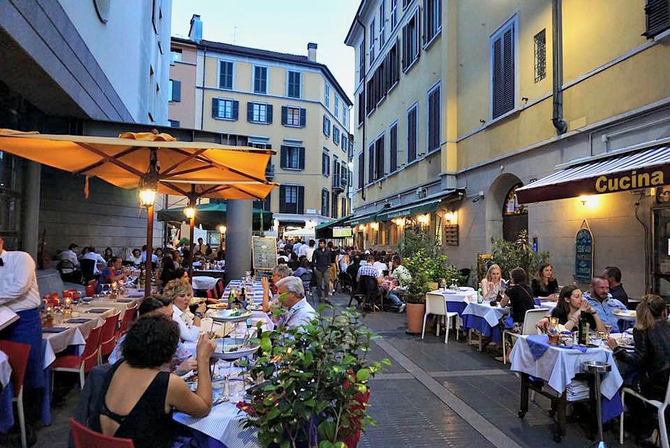 Dinnertime in Milan